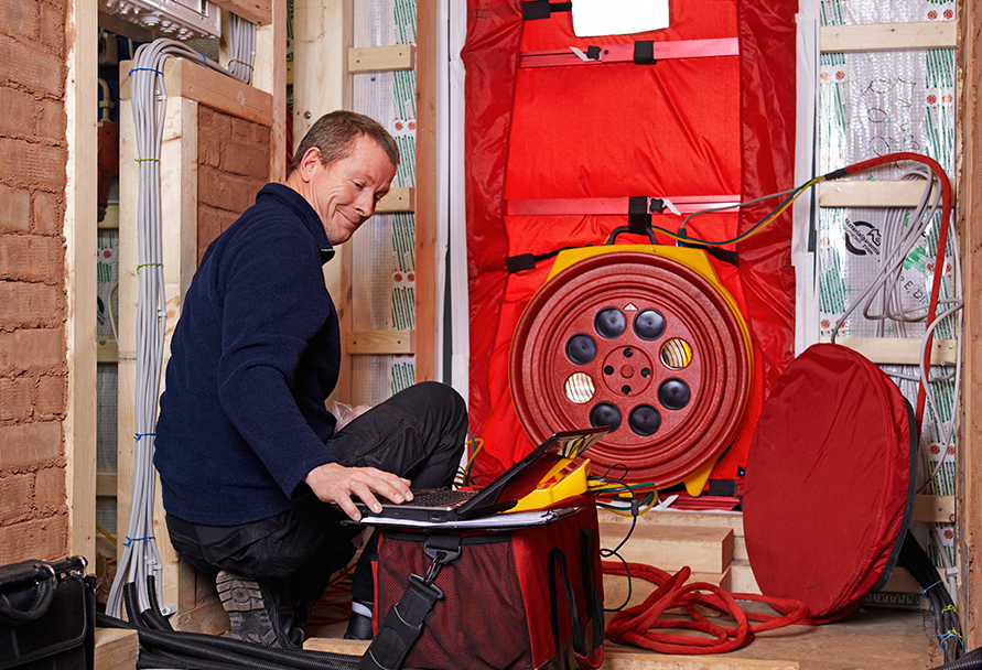 home blower door test