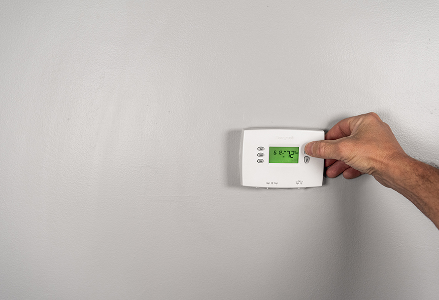 setting a thermostat